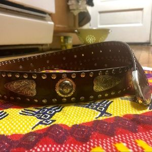 Other - Beautiful Western Leather and Silver Accent belt!